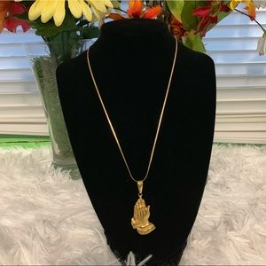 Jewelry - 18k Gold filled Necklace w/ pendant.